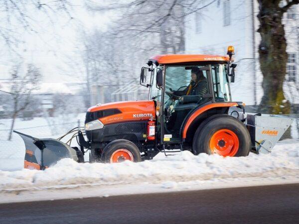 Kubota-L2-421HST-Traktor