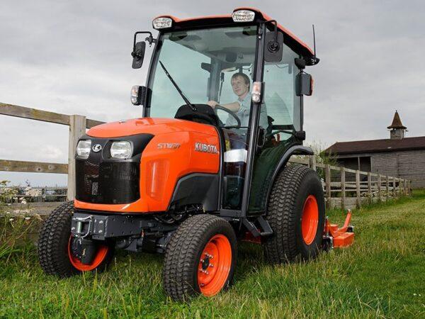 Kubota-ST371-Traktor